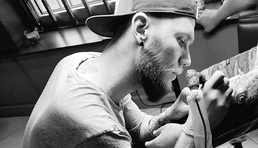 Tatuażysta Gabsztyl Studio Tatuażu zWarszawa Repto Ink