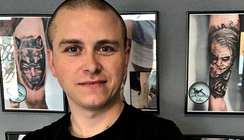 Tatuażysta Robert Mielczarek Bobson Tattoo zmiasta Częstochowa zestudio tatuażu Bocian Tattoo.