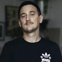 Tatuażysta Adrian Pytel Usmy Pytel z miasta Wrocław ze studio tatuażu Nasza Tattoo Shop
