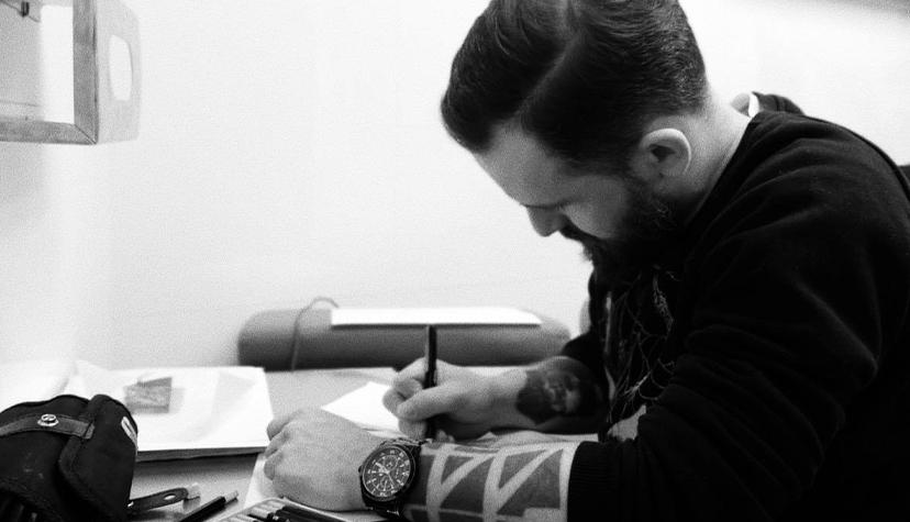 Tatuażysta Bartek Pochowski zmiasta Gdańsk zestudio tatuażu Tat Studio Gdańsk