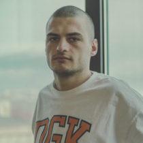 Tatuażysta Kacper Wade Samborek z miasta Kraków ze studio tatuażu Kult Tattoo Fest