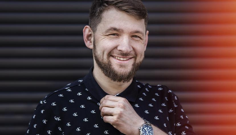 Tatuażysta Levgen Knysh z miasta Wrocław ze studio tatuażu Voice of Ink. Photo by Kamila Burzymowska