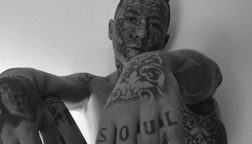Tatuażysta Mistyk Madness zMiasta Świnoujście zestudio tatuażu Noise Tattoo & Piercing