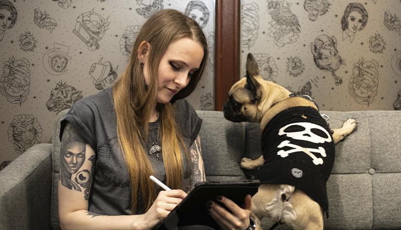 Tatuażysta Nona Karnowska Dybuk Ink zmiasta Kraków zestudio tatuażu Kult Tattoo Fest