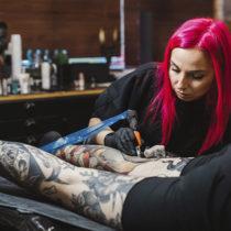 Tatuażysta Karolina Wilczewska z miasta Gdynia ze studio tatuażu White Rabbit Tattoo Parlour