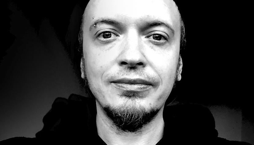 Tatuażysta Piotr Dedel zmiasta Kraków zestudio tatuażu Schiza Tattoo