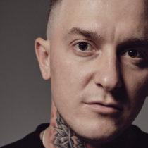 Tatuażysta Denis Eretik z miasta Włocławek ze studio tatuażu Dead Body Tattoo