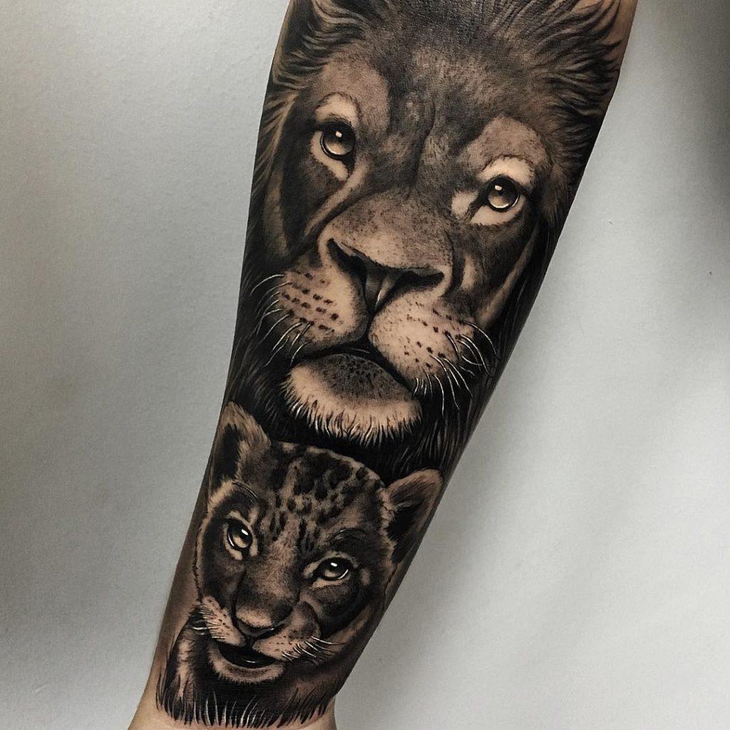 Tatuaż lwa ilwiątka lwię Znaczenie dla mężczyzn ikobiet