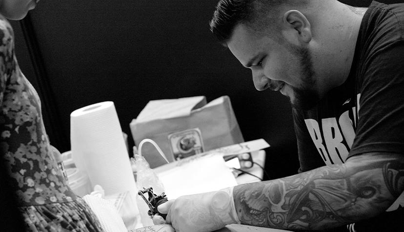 Tatuażysta Davee Blowsk zmiasta Warszawa
