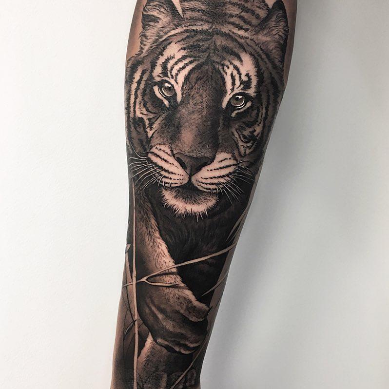 Tatuaż głowa Tygrysa naprzedramieniu dla mężczyzn ikobiet